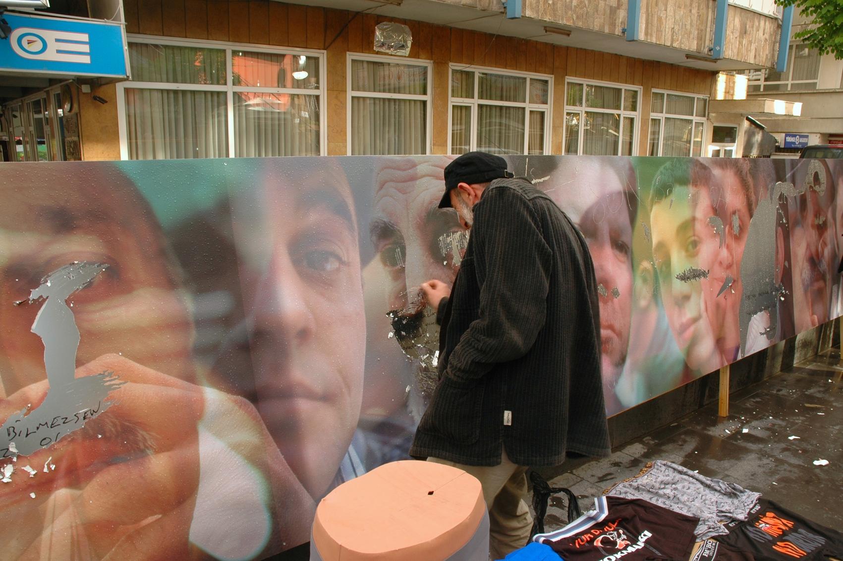 SCRATCH Ankara street sellers scratching-3